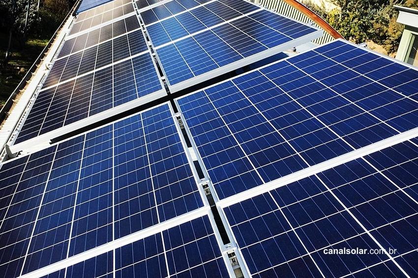 Oversizing e clipping nos sistemas fotovoltaicos