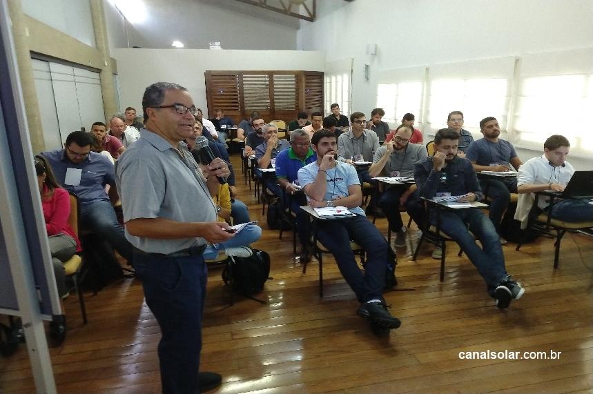 Dirceu Ferreira: 'Qualificação profissional é fundamental para o sucesso da energia solar'