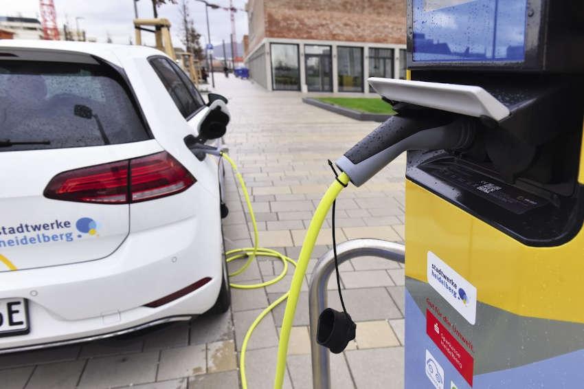 Mercado de carros elétricos mostra mais resiliência que o de veículos convencionais durante a pandemia