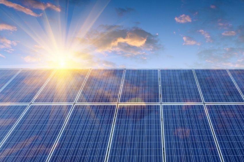 Módulo solar atinge 525 W e estabelece novo recorde no setor