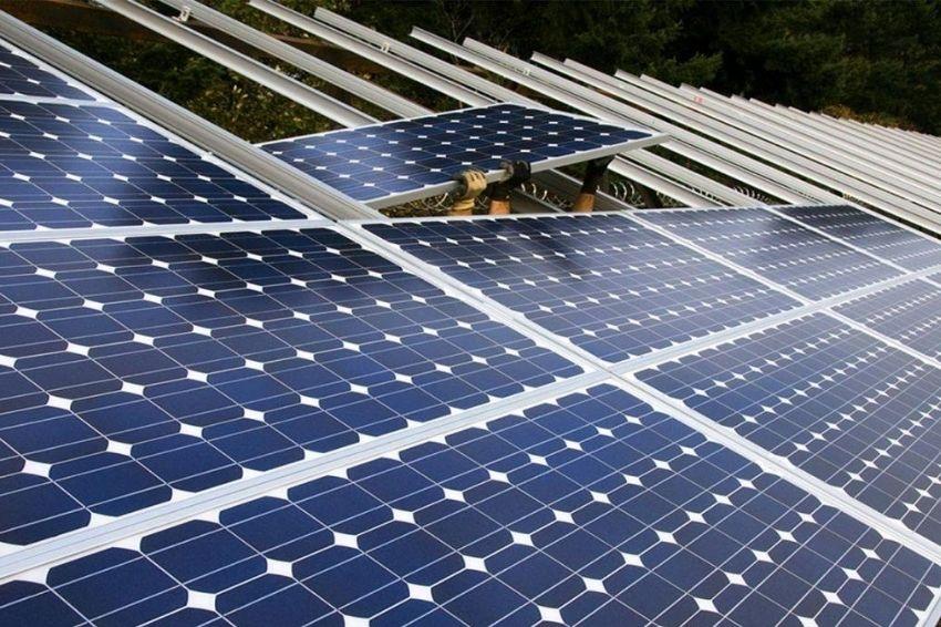 Baixa oferta e alta demanda afetam preços dos painéis solares no mundo