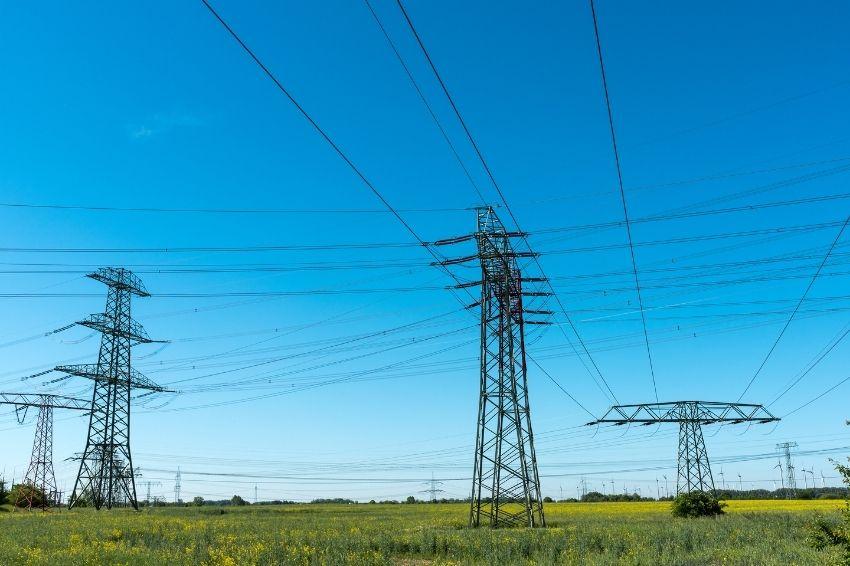 ANEEL registra mais de 5 mil km de novas linhas de transmissão até outubro