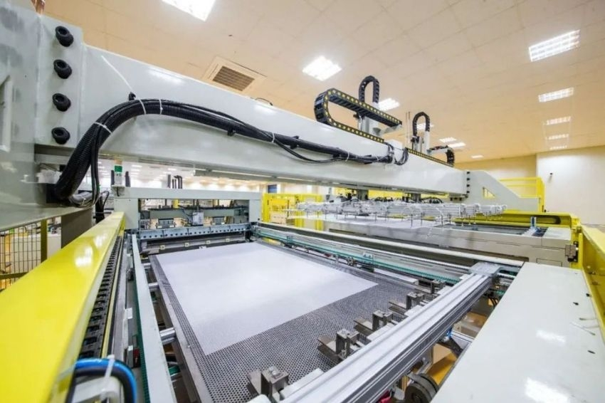 ZNShine Solar vai aumentar capacidade produtiva com foco no Brasil