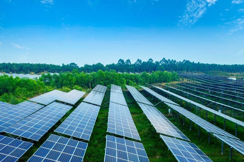 Brasil atinge marca histórica de 8 GW de potência da fonte solar