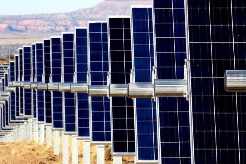 Módulos bifaciais dominam setor fotovoltaico em 2020 no Brasil
