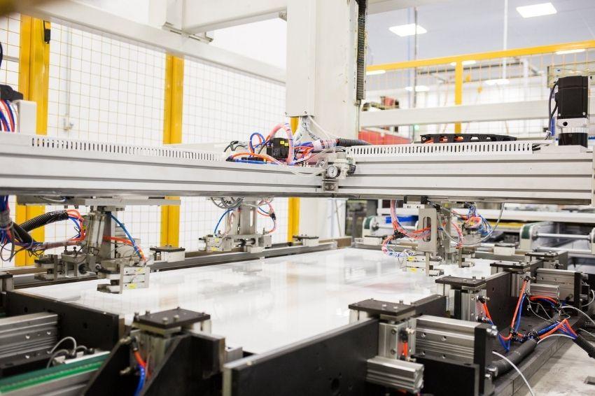 BYD Brasil lança módulo de 400 Wp com produção nacional