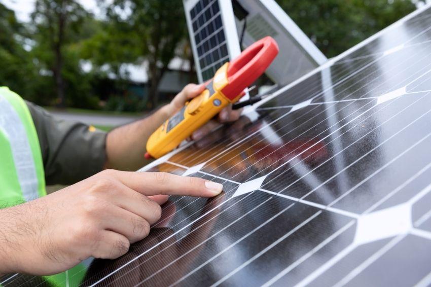Teste de isolação elétrica de módulos fotovoltaicos