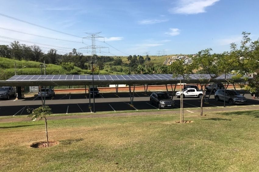 Carports em alta no mercado brasileiro de energia solar