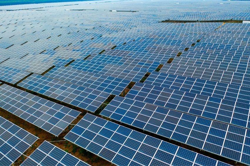 MG bate a marca de cem mil sistemas fotovoltaicos conectados à rede