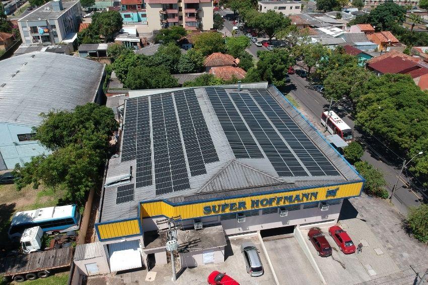 Setor varejista é o que mais investiu em energia solar no 1º semestre