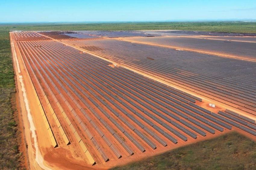 Complexo solar gera cerca de 4 mil empregos no Ceará