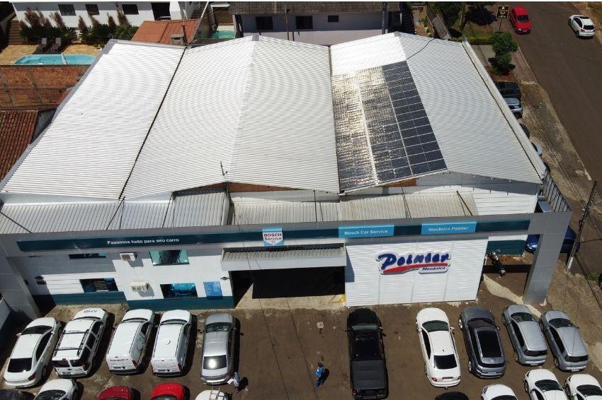 Empreendedor investe em solar para abastecer três imóveis