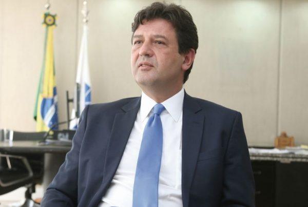 INEL promove entrevistas com presidenciávies