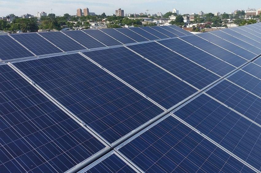 Investimento em energia solar pelo Governo Federal reduziria custo da bandeira tarifária